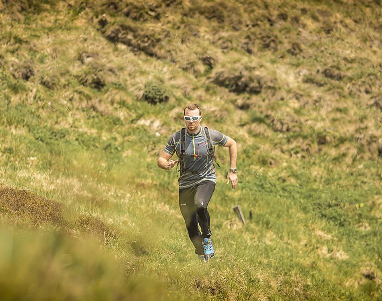 Odolné a prodyšné běžecké oblečení Kilpi